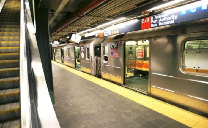 El metro de Nueva York ha activado WhatsApp para comunicarse con sus usuarios